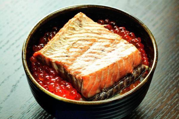 鮭の焼漬けといくら醤油漬け