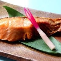 長年培われたこくのある塩引き鮭の味はさすがですね
